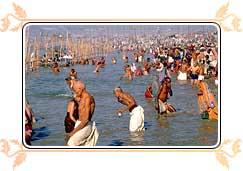 ritual-bathing-kumbh-mela.jpg